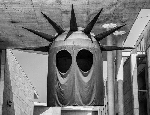 "Bonn ""Stolen History, Statue of Liberty"" (Daniel Knorr)"